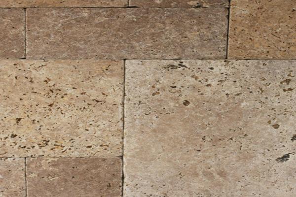 אבן טבעית בגוון בז