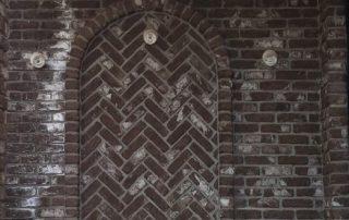 בריקים מחימר בגוון חום כהה - חיפוי קירות חיצוניים